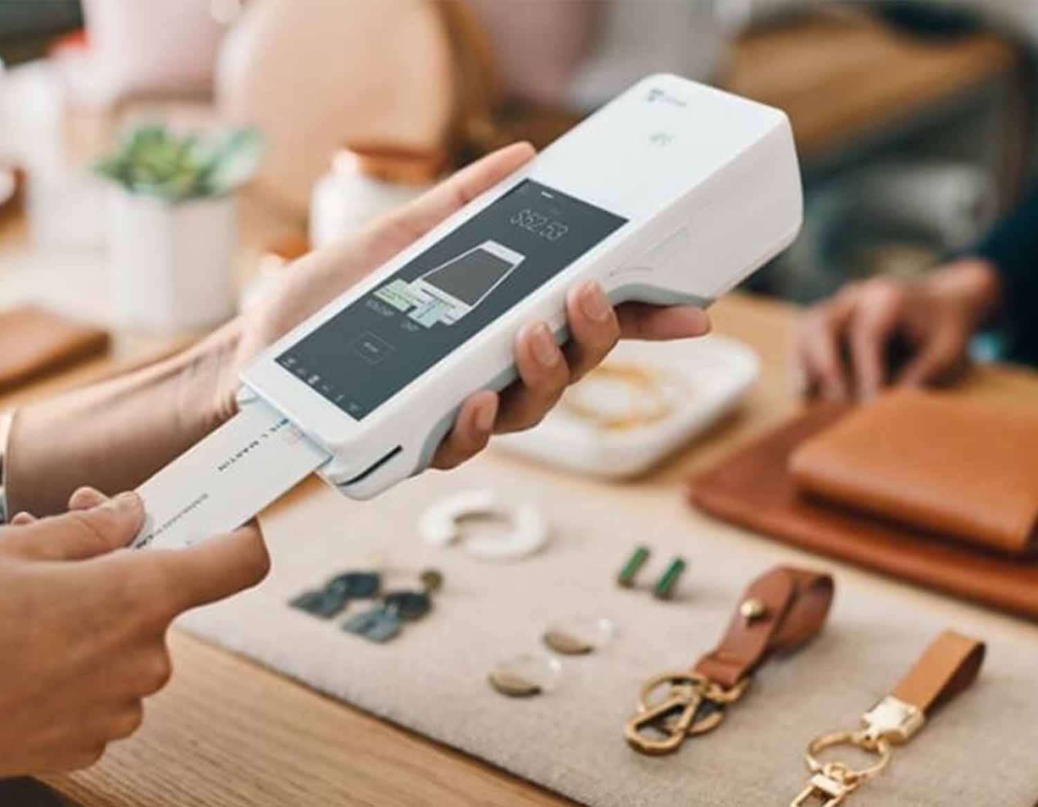 POS System Review – The Clover Flex Credit Card Machine